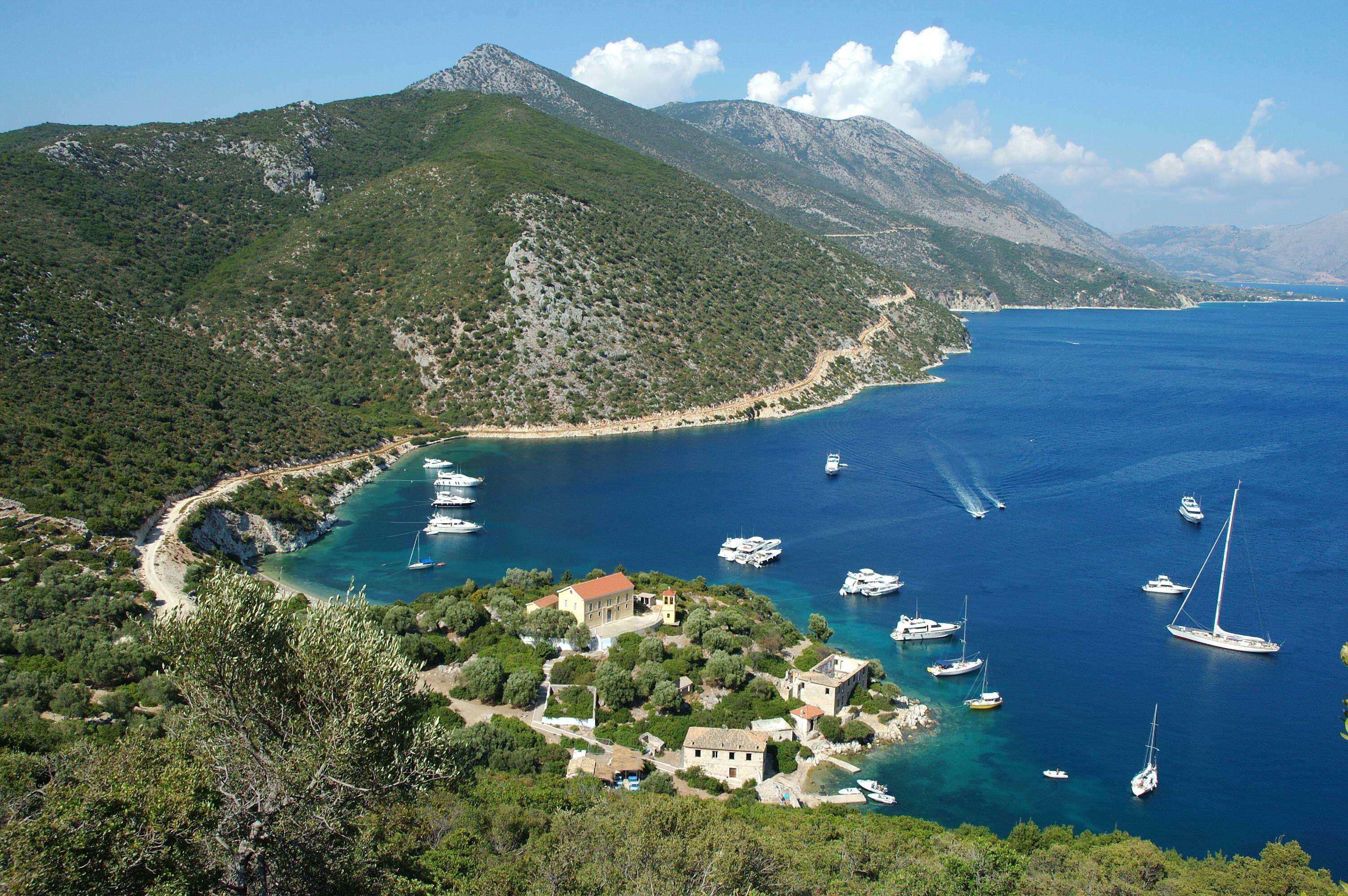 http://www.esys.org/rev_info/Griechenland/Kalamos_(Insel)_Porto_Leone-hq.jpg