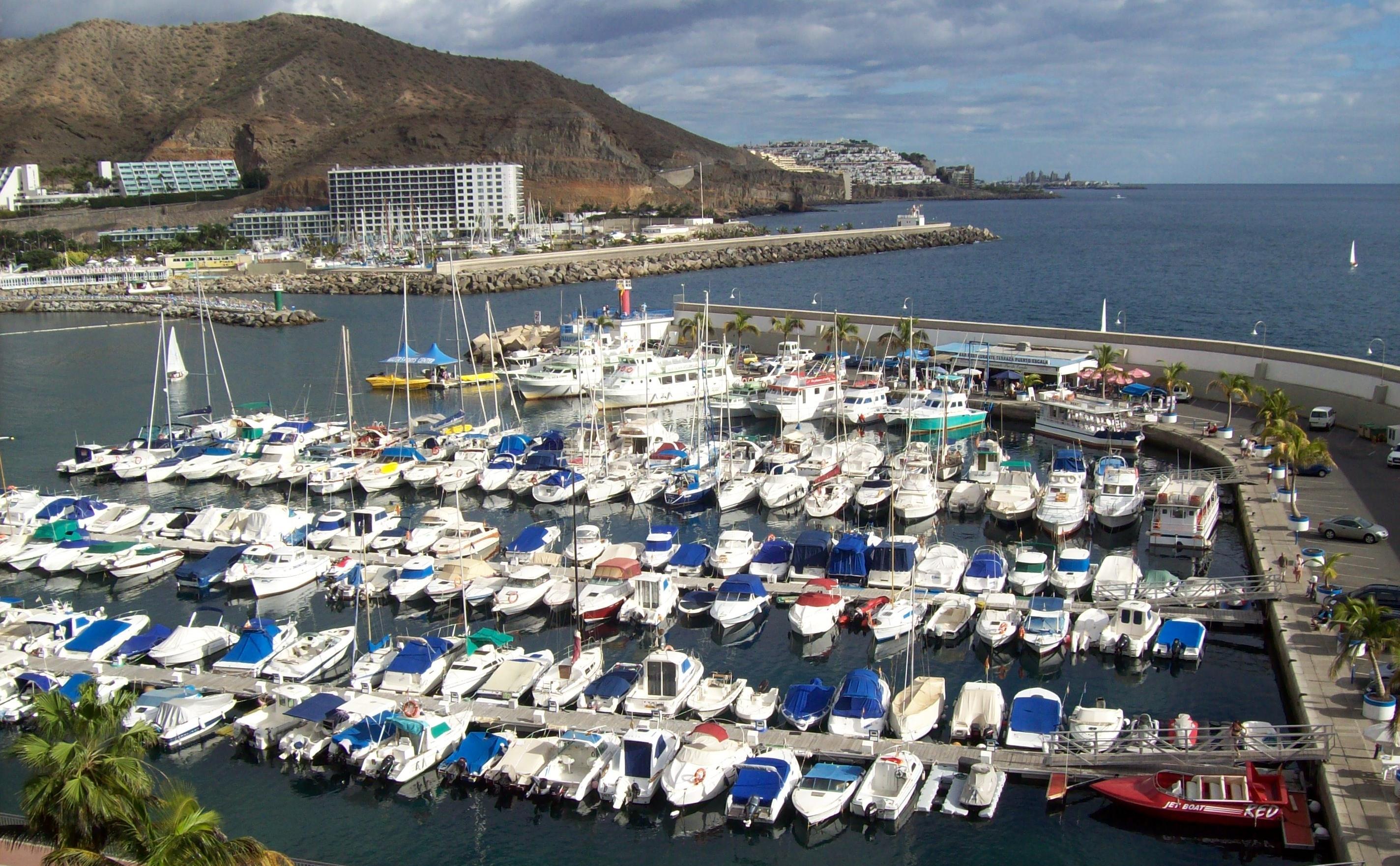 online hafenhandbuch spanien marina puerto rico auf der kanareninsel gran canaria. Black Bedroom Furniture Sets. Home Design Ideas